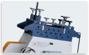 Размотчик рулонного металла с выпрямителем серии CL 1